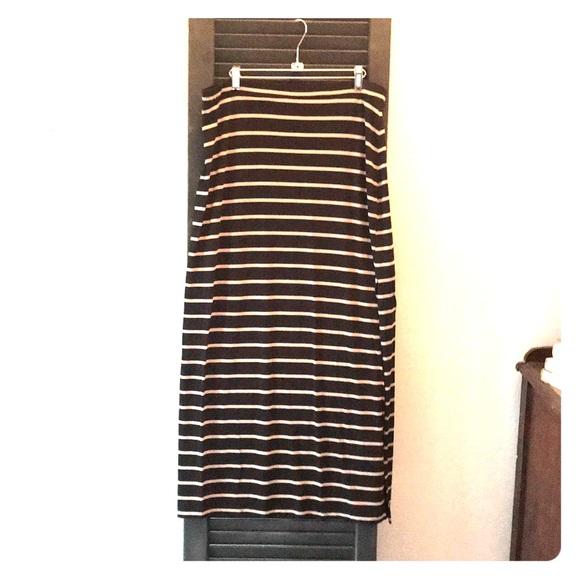 Banana Republic Dresses & Skirts - Banana Republic - Maxi Skirt -XL